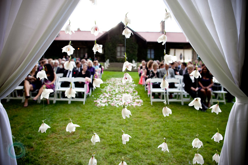 003-outdoor-wedding-ceremony-miller-lash-house